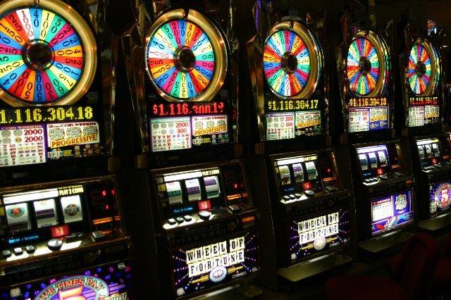 Прибыль и джекпоты в казино Вулкан 24