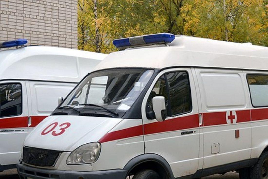 Водителя «ВАЗа», влетевшего в бетонный столб в Пензе, увезли в больницу