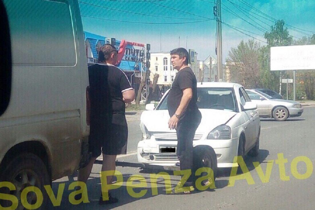 В результате ДТП на Севере в Пензе покорежило «ВАЗ»