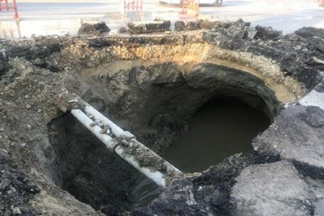 Стало известно, из-за чего на проспекте Строителей в Пензе образовалась огромная яма
